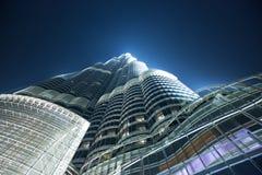Construção de Burj Khalifa na noite fotografia de stock royalty free