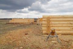 Construção de cabines de registro de madeira foto de stock
