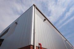 Construção de canto do armazém da fábrica Fotografia de Stock Royalty Free