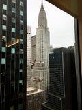 A construção de Chrysler na 42nd rua em New York fotografia de stock