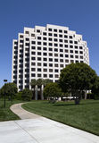 Construção de escritório empresarial moderna Imagem de Stock Royalty Free