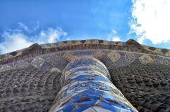 Construção de Gaudì no parque Guell fotos de stock