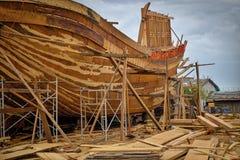 Construção de madeira do barco, Qui Nhon, Vietname Foto de Stock Royalty Free