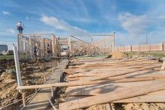 Construção de madeira de quadro home dos fardos da construção nova fotos de stock