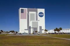 Construção de NASA, centro de espaço de Kennedy, Florida, EUA Foto de Stock Royalty Free