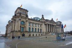 A construção de Reichstag do governo alemão em Berlim Fotos de Stock Royalty Free