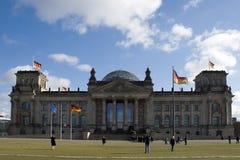 A construção do governo de Berlim do reichstag imagem de stock royalty free