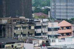Construção de residência aglomerada na cidade de Banguecoque, Tailândia fotos de stock