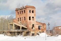 Construção de tijolo abandonada muito velha Fotos de Stock Royalty Free