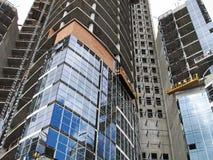Construção de um edifício moderno Fotos de Stock Royalty Free