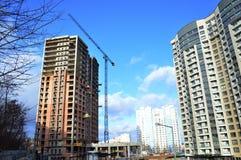 Construção de um monólito do arranha-céus Foto de Stock