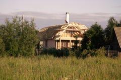 Construção de uma casa de madeira Fotografia de Stock
