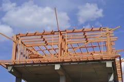 A construção de uma casa privada O quadro de madeira da ATT fotos de stock