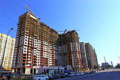 Construção de uma construção residencial moderna Imagens de Stock