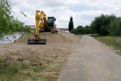 Construção de uma estrada Movimento de terra imagens de stock royalty free