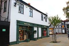 A construção de uma loja chamou o material branco em Kingston em cima de Tamisa Surrey Foto de Stock Royalty Free