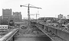Construção de uma ponte através do rio Danúbio Imagem de Stock