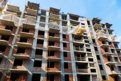 Construção de uma construção residencial nova Fotografia de Stock Royalty Free