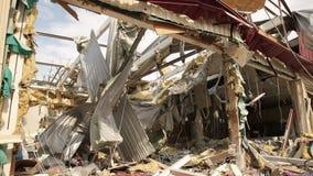 Construção destruída na guerra video estoque