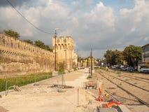 Construção do bonde em Avignon foto de stock royalty free