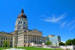 Construção do Capitólio do estado de Kansas em Sunny Day Fotografia de Stock Royalty Free
