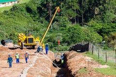 Construção do encanamento do aqueduto da água fotografia de stock