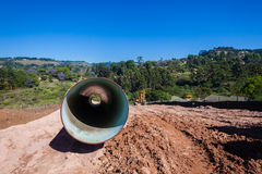 Construção do encanamento do aqueduto da água foto de stock