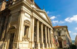 Construção do estilo do classicismo da igreja Católica de Chiesa di San Filippo Neri fotos de stock royalty free
