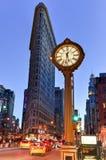 Construção do ferro de passar roupa e pulso de disparo de Fifth Avenue Fotos de Stock