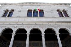 Construção do Gran Guardia em Pádua no Vêneto (Itália) imagens de stock royalty free