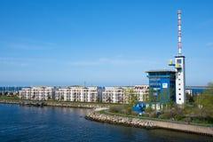 Construção do hotel e da autoridade portuária na duna de Hohe da peça da cidade fotografia de stock