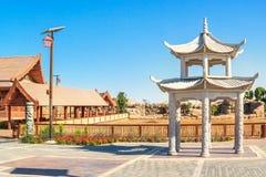 Construção do pagode no lugar asiático de Dubai Safari Park foto de stock royalty free