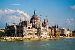 Construção do parlamento no por do sol Fotos de Stock