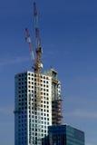 Construção do prédio de escritórios novo Imagens de Stock Royalty Free