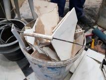 Construção do reparo e desperdício da construção foto de stock royalty free
