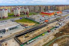 Construção do resultado de dois níveis na estrada do desvio Imagens de Stock