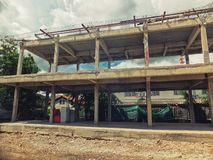 Construção do terreno de construção com estrutura do metal Negócio industrial imagem de stock