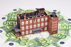 Construção e cédulas da fábrica imagem de stock royalty free