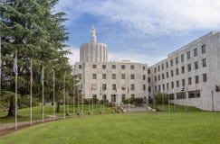 Construção e parque de Salem Oregon Capitol foto de stock royalty free