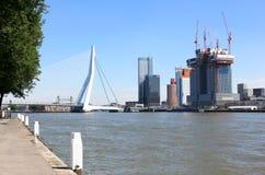 Construção em cima da cabeça do sul em Rotterdam, Holanda fotografia de stock royalty free