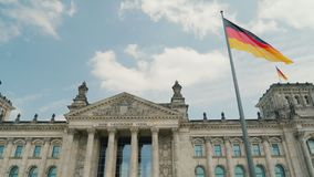 A construção famosa do Bundestag é um dos símbolos de Berlim filme