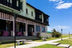 Construção histórica de Cuba como um restaurante em Havana pelo mar Imagens de Stock