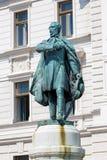 Construção histórica e estátua Kossuth Lajos nos CPE Foto de Stock