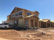 Construção home nova que quadro no sudoeste Imagens de Stock Royalty Free