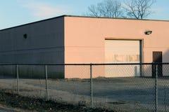 Construção industrial abandonada velha da fábrica do tijolo fotos de stock