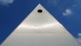 Construção industrial da pirâmide dada forma Fotografia de Stock