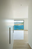 Construção interior, moderna, corredor Fotos de Stock Royalty Free