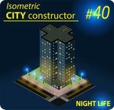 Construção isométrica moderna na luz da noite Fotografia de Stock Royalty Free