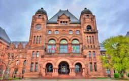 Construção legislativa de Ontário no parque do ` s da rainha em Toronto, Canadá Fotos de Stock