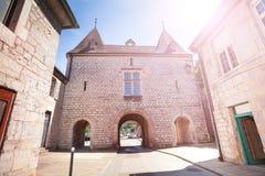 Construção medieval com a arcada em Besancon, França Imagem de Stock